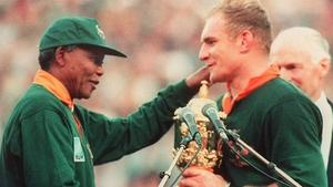 Nelson Mandela congratulates Sprongboks captain Francois Pienaar on winning the 1995 Rugby World Cup