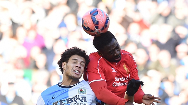Kolo Toure signs new Liverpool deal