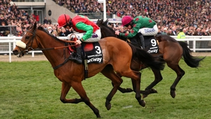 Dodging Bullets (L) travelled well throughout the trip