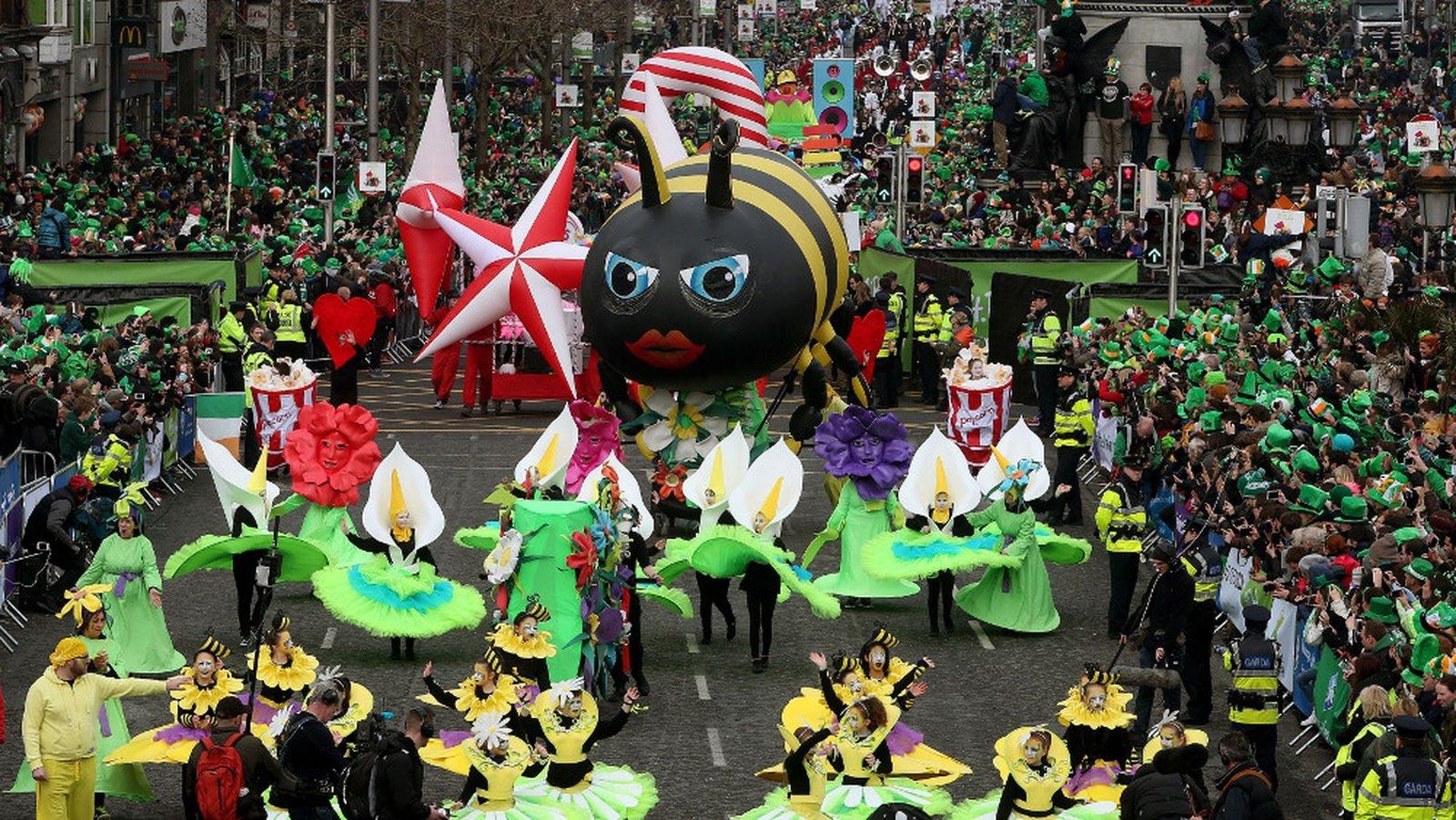 thousands attend st patrick u0027s day parades