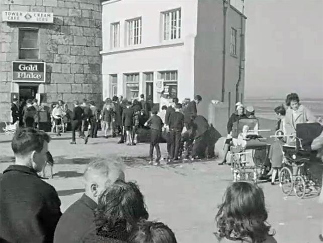 Sandymount Strand (1965)