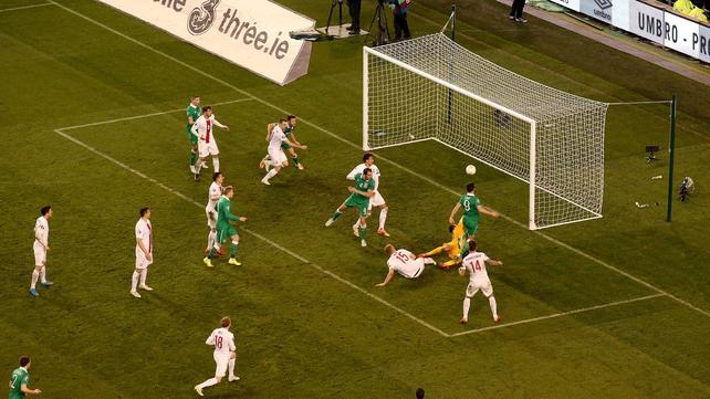 Ireland strike late to claim draw against Poland