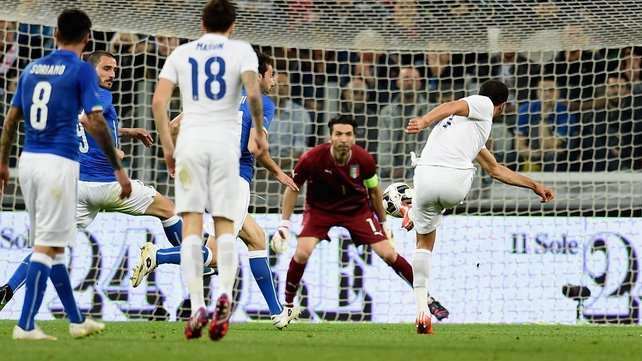 England rally to grab draw in Italy