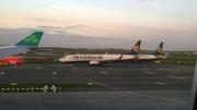 Bhuail dhá eitleán de chuid Ryanair faoina chéile ar bhealach innealta ag aerfort Bhaile Átha Cliath