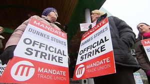 Mandate workers held a one-day strike at Dunnes Stores on 2 April