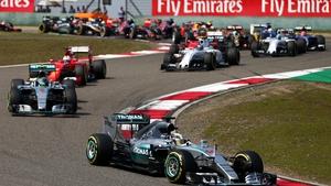 Lewis Hamilton leading the participants at the Shanghai Circuit