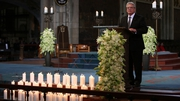 Uachtarán Joachim Gauck ag labhairt ag searmanas i gcuimhne ar mhairbh Germanwings i Cologne inniu.
