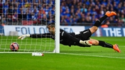 Reading's Adam Federici  failed to stop Alexis Sanchez's shot