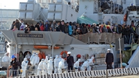 700 feared dead after migrant boat capsizes