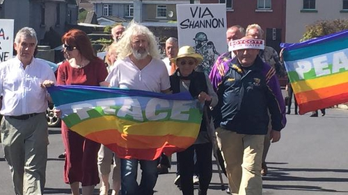 Clare Daly and Mick Wallace arriving at Ennis District Court earlier