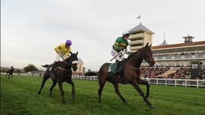 Mountain Tunes gives Tony McCoy his 4000th winner at Towcester in 2013