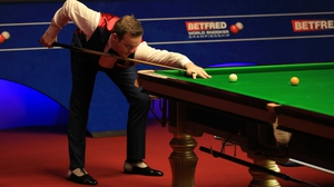 Shaun Murphy eased into the final of the Betfred World Championship