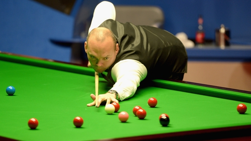 Stuart Bingham eased past Jordan Brown, winning 6-1