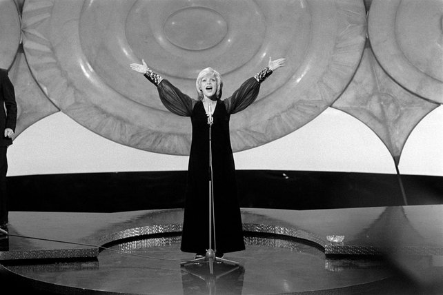 Séverine wins the Eurovision Song Contest (1971)