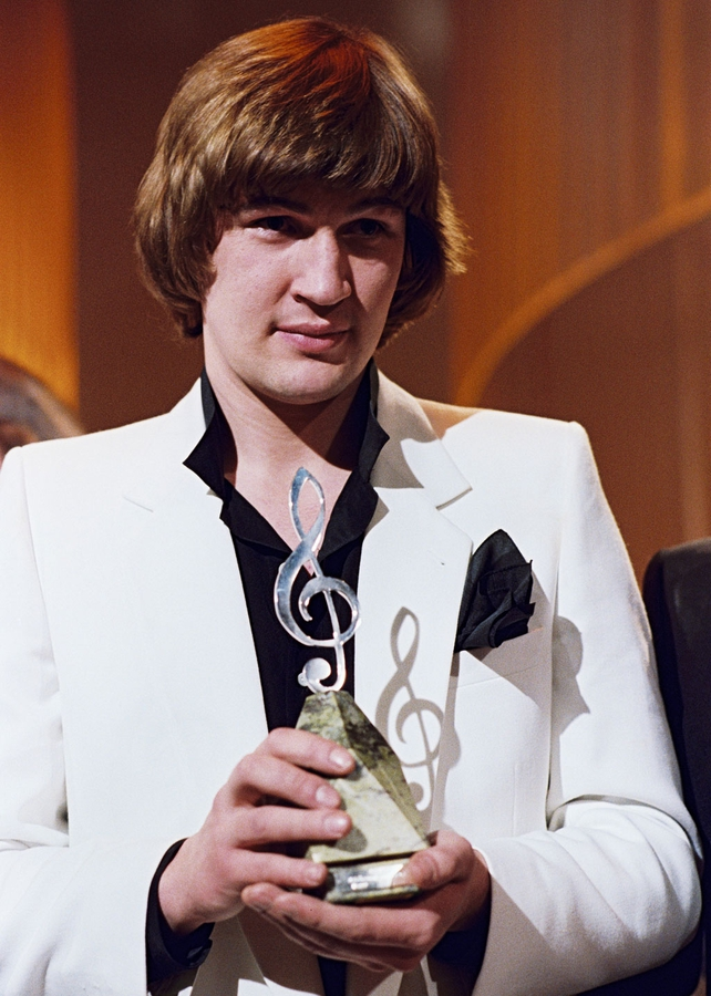 Johnny Logan with National Song Contest Award (1980)