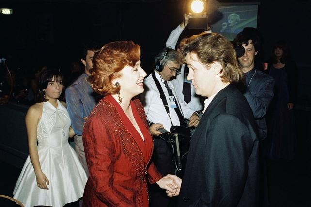 Johnny Logan congratulates Niamh Kavanagh (1993)