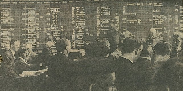 The bustling scene in the Dublin Stock Exchange