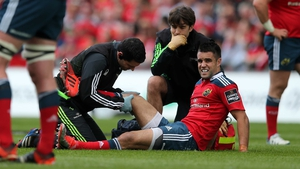 Conor Murray went off with what looked a serious injury after 16 minutes in Munster's Pro12 play-off against Ospreys