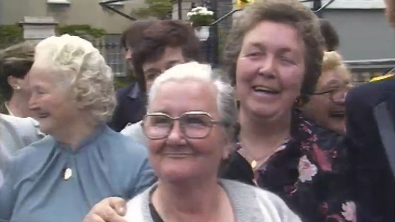Moore Street Traders at The Mansion House (1985)