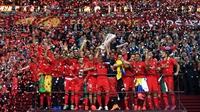 Record-breakers Sevilla retain Europa League crown