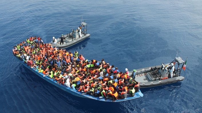 Hundreds of migrants feared dead in Mediterranean