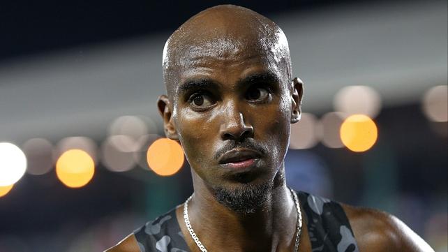 Mo Farah wins 10,000m in Oregon