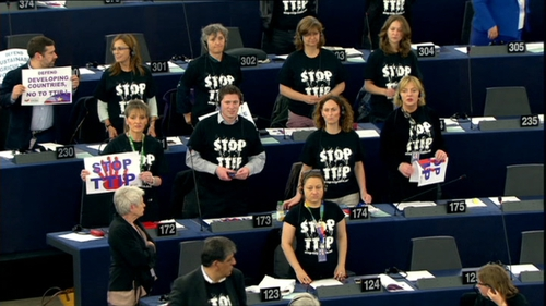 MEPs voted to suspend a debate on TTIP this morning by a margin of just two votes