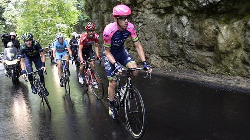 Rui Costa (R) rides in a breakaway ahead of Alejandro Valverde (L), Vincenzo Nibali (2ndL) and Tony Gallopin (3rdL)