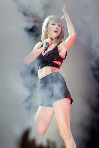 Taylor Swift's on stage Style