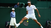 Roger Federer expertly executes his tweener lob against Sam Querrey
