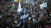 Thousands of people, on both sides of the campaign, are on the streets of Athens