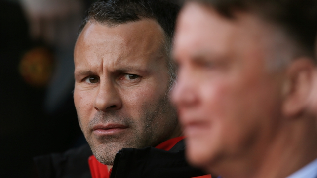 Ferdinand: Giggs would be a risk for United