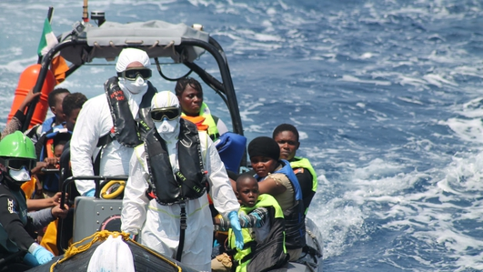 LÉ Niamh makes its way to Italian port after rescue