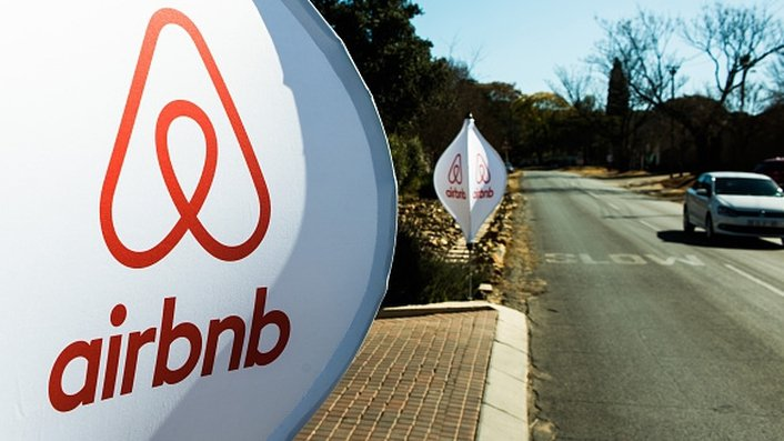 Airbnb hold meeting in Dublin for people who may owe tax