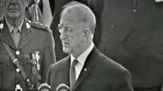 Éamon de Valera Welcomes JFK (1963)