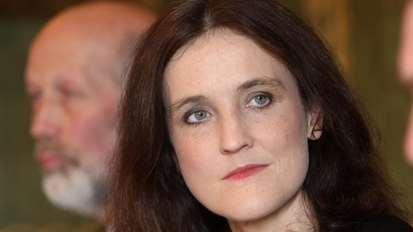 Theresa Villiers says the PSNI should be allowed to continue its investigation into the killings of Kevin McGuigan and Jock Davison