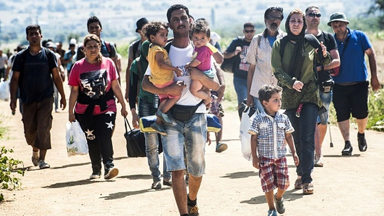 Hungary appeals for assistance with refugee crisis