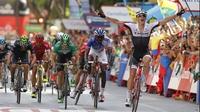 Dan Martin out of the Vuelta after major crash