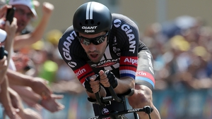 Tom Dumoulin takes the lead in Spain with just four stages left in Vuelta a Espana