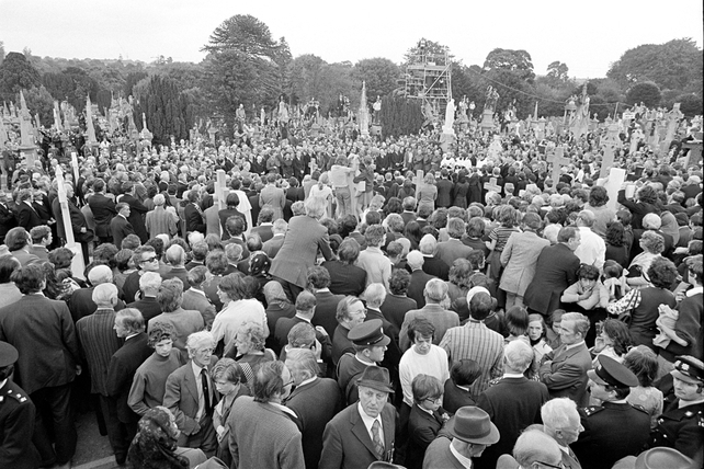 View of Mourners at Glasnevin Cemetery during de Valera's Funeral (1975)
