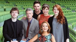 Anthony Brophy (second left) and Cathy Belton (centre) with Red Rock cast at the TV3 Autumn launch