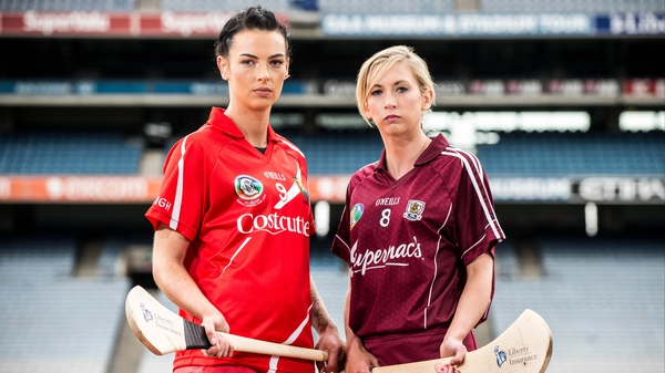 Captains Ashling Thompson and Niamh Kilkenny for Cork and Galway