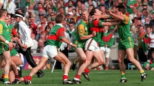 Mayo and Meath players getting to know each other during the 1996 All Ireland football replay