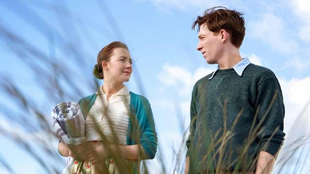 Saoirse Ronan and Domhnall Gleeson in Brooklyn