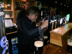 Mark Hamill finally goes to the darkstuff as he throws on a few pints of Guinness in Kerry. Pic @ColmFlynn1