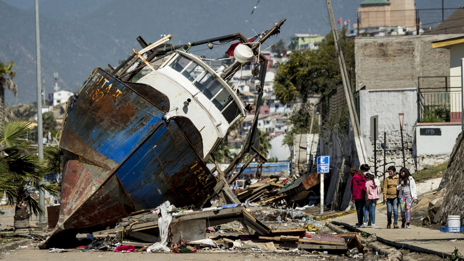 27813de66645 Chile declares emergency in port city after quake