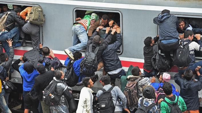 Hungary and Croatia clash over migrant crisis