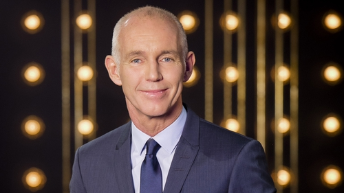 Chesney Hawkes, Paul Howard, and Rory Cowan will all join Ray on the couch this evening