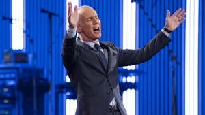 Ray D'Arcy shows off his new suit