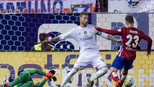 La Liga Review: Vietto rescues point for Atletico